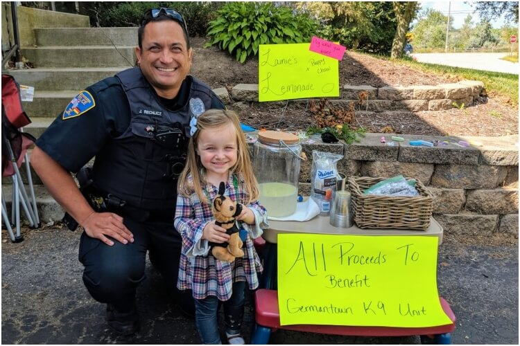 Lemonade Stand for K9