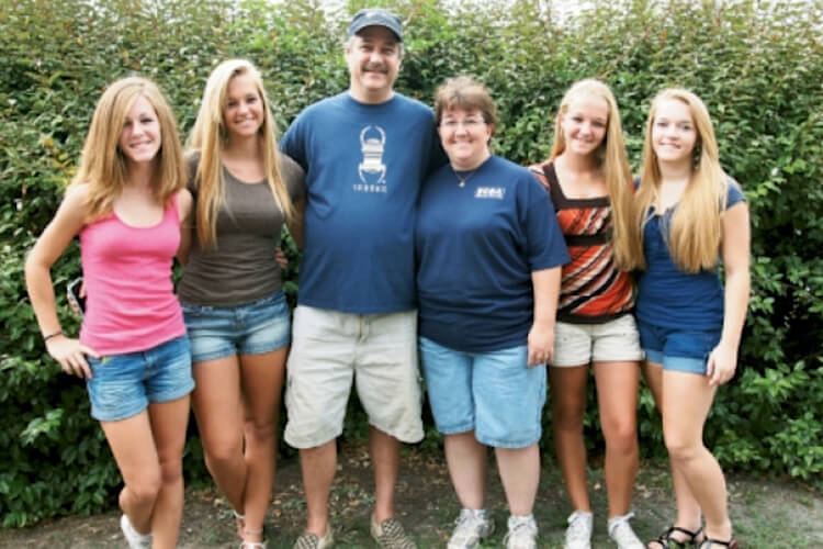 Schoonover Daughters Surprise Parents With Home Renovation