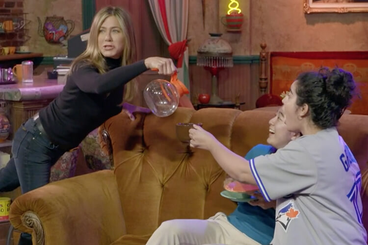 Jennifer Aniston Friends Set Prank